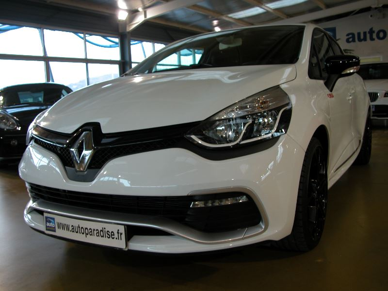 Véhicule d'occasion RENAULT CLIO RS 1.6 200 EDC