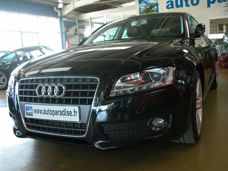 Véhicule d'occasion AUDI A5 SPORTBACK 2.0 TDI 143 AMBITION LUXE MULTITRONIC