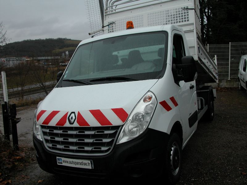 Véhicule d'occasion RENAULT MASTER BENNE 2.3 DCI 100