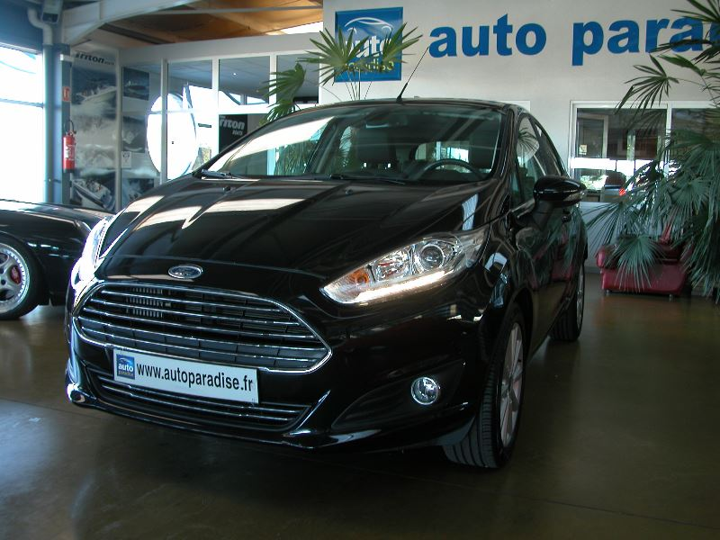 Véhicule d'occasion FORD FIESTA 1.0 SCTI 100 TITANIUM POWERSHIFT