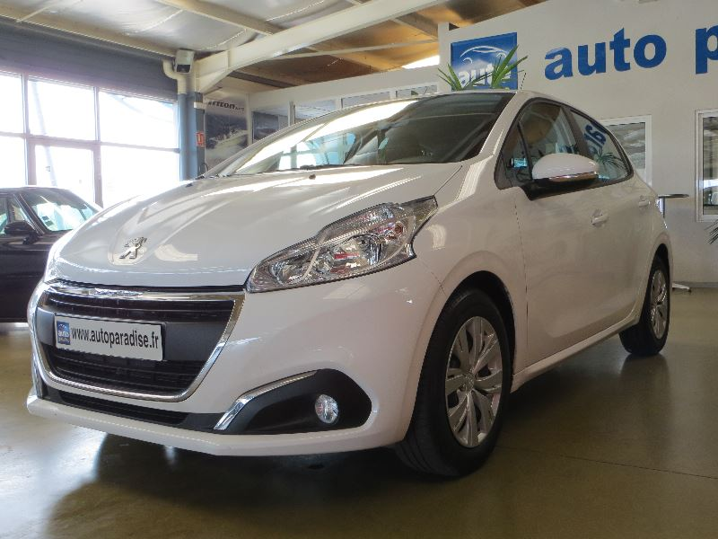 Véhicule d'occasion PEUGEOT 208 AFFAIRE 1.6 HDI 100 PACK CLIM